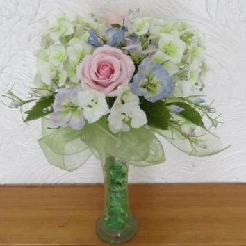 Hydrangea, Lizianthus, Rose